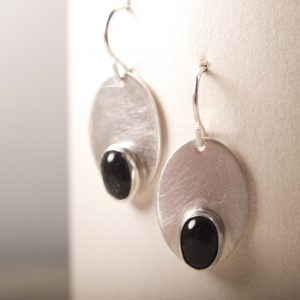 Oval Earrings with Onyx